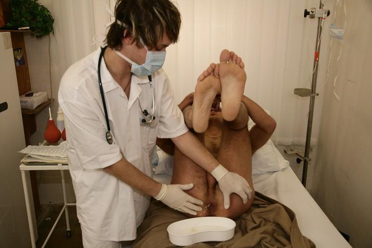 Doctor Piss DVD - Gallery - 006